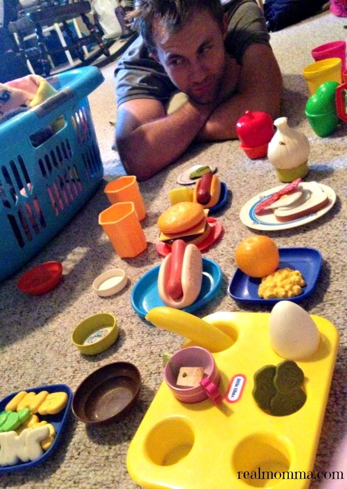 5 Benefits of Toy Food for Child Development