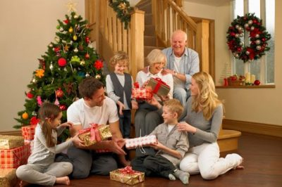 Family Christmas 4 Unique Ways to Spend Time with your Family Over the Holidays