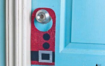 Quick and Easy DIY Santa Claus Door Hanger