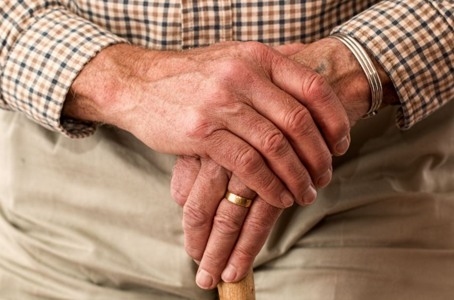 Caring for an Elderly Loved One: 5 Things You Should Know