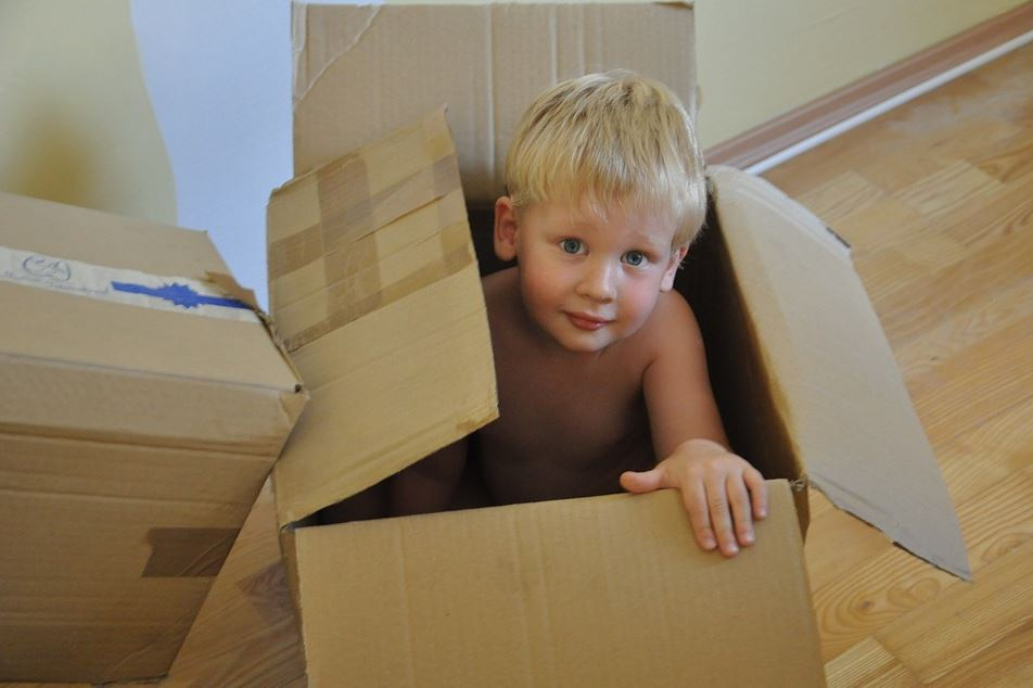5 Games You Can Play with Your Kids during a Move