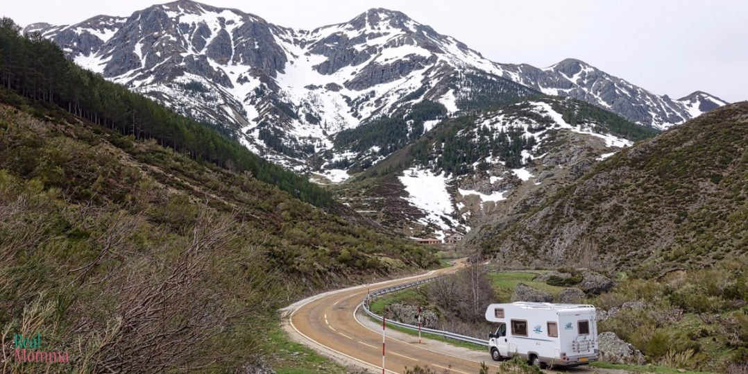 Top Strategies To Save Money On Your Family s RV Trip