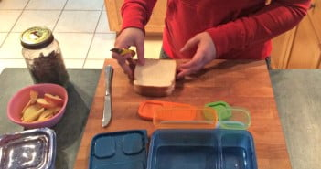Packing Lunch with Rubbermaid LunchBlox