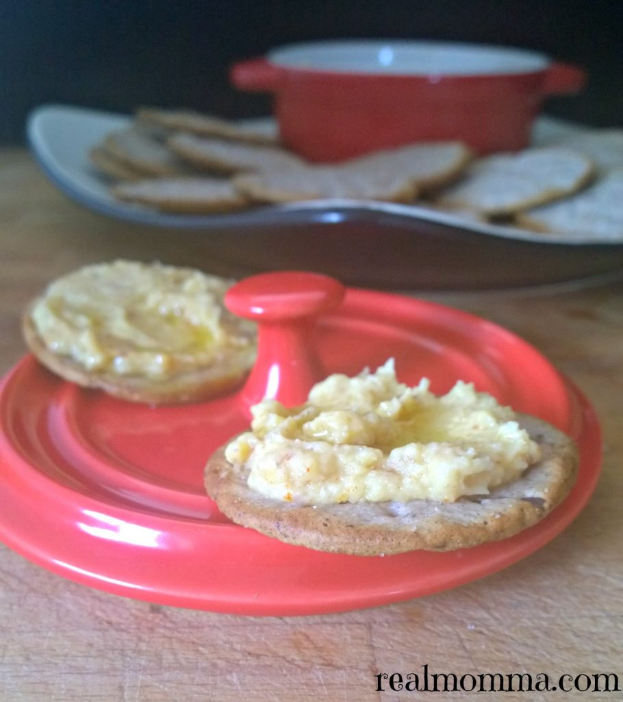 Breton crackers with hummus
