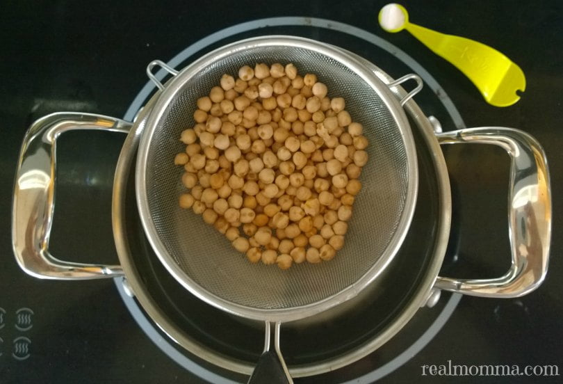 Cooking dried chickpeas