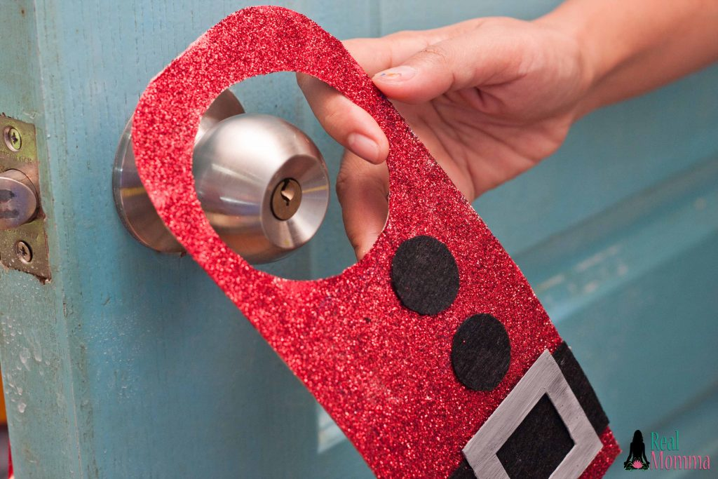 santa door hanger step 17