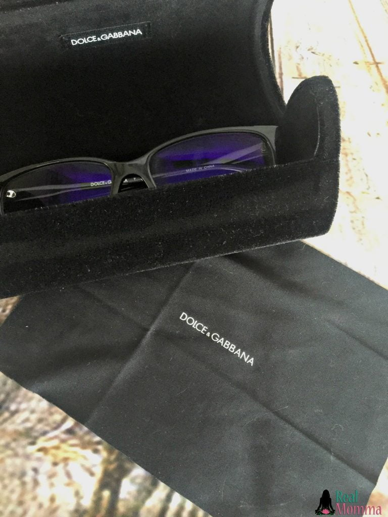 Eyezen Doce and Gabbana case and cloth