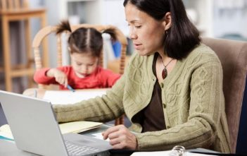 5 Online Degrees for Single Parents