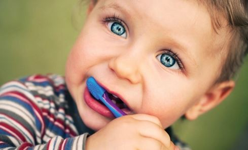 4 Glaring Signs You Should Set Your Child's First Dentist Appointment