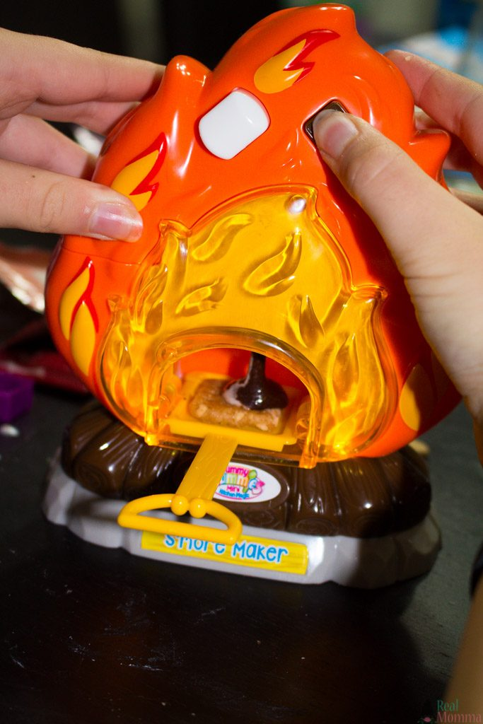 smore maker playset in action