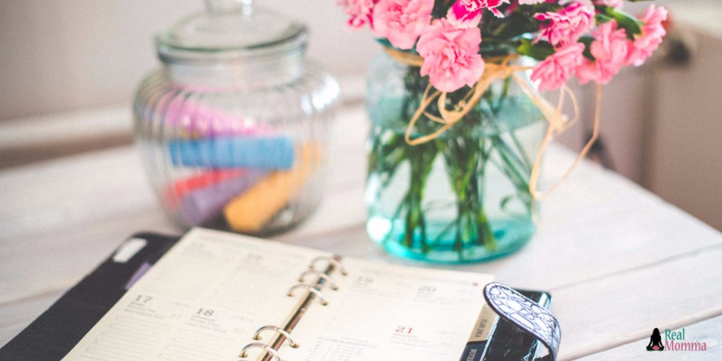 6 Tips to Bring More Organization and Less Clutter Into Your Home