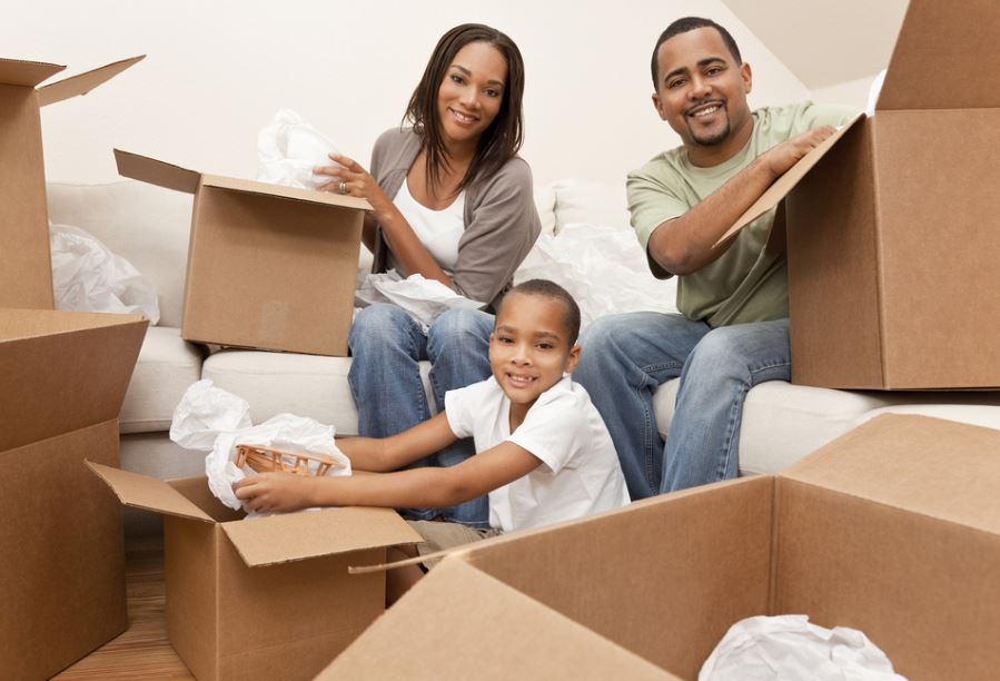 Packing up: 5 Successful Tips in Readying Your Family for the Big Move