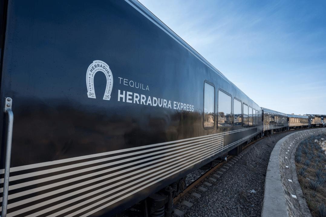 Exterior Tequila Herradura Express