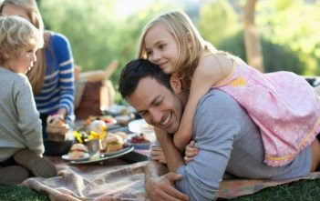Family Bonding: 5 Fun Outdoor Activities For Parents and Kids