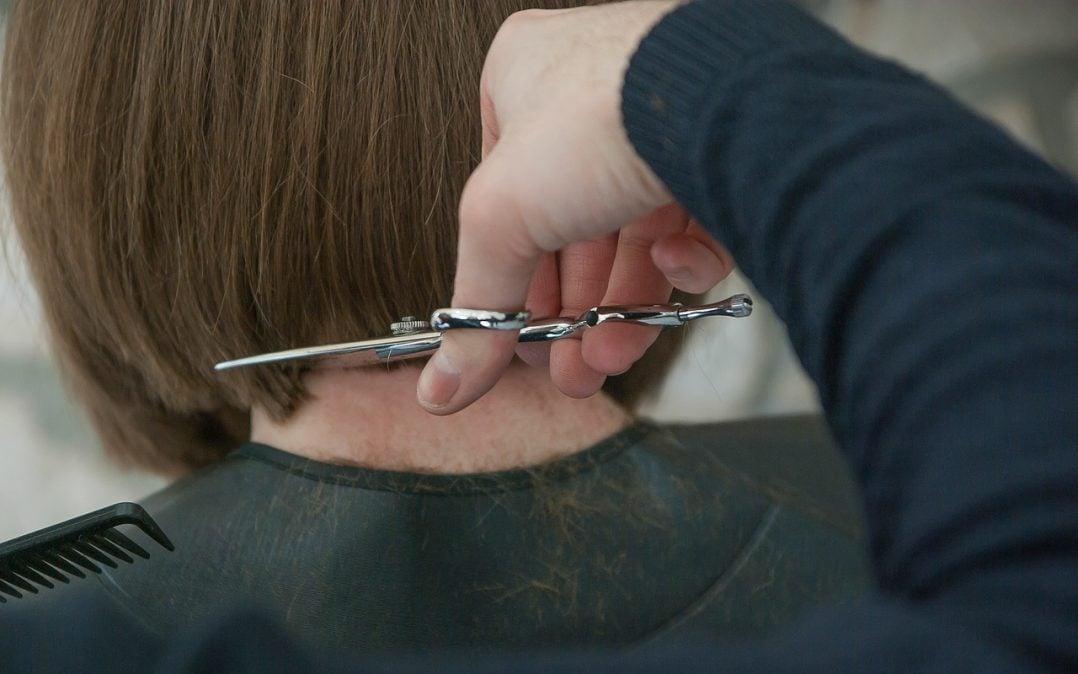 hairdresser 3173438 1280